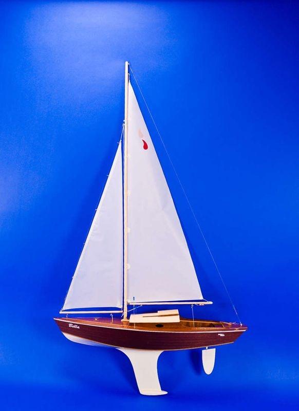 Bella Segelboot 810mm