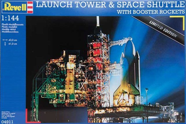 Launch Tower & Space Shuttle with Booster Rockets 1:144