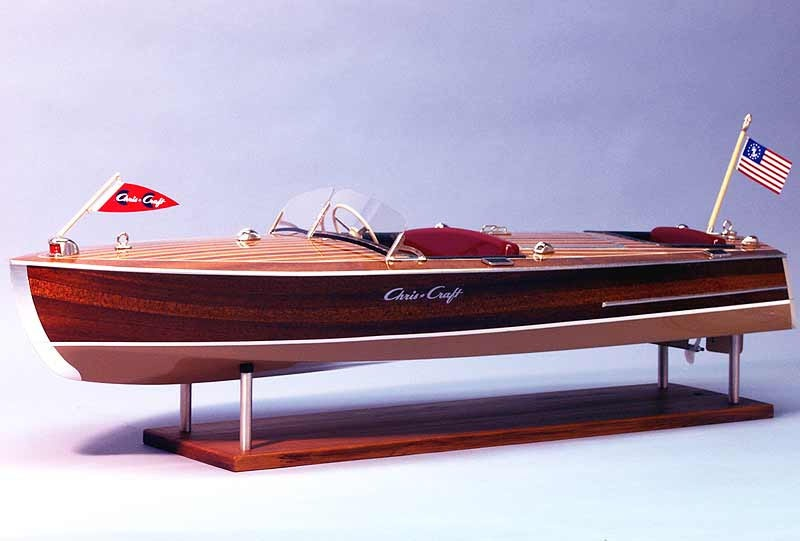 Chris-Craft Racer 1949 1:8 RC-Bausatz