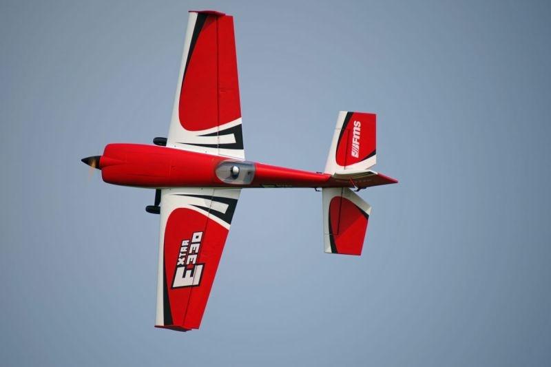 Extra 300 Kunstflugzeug 2000mm PNP