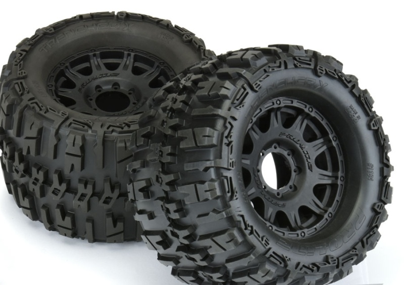 Trencher X 3.8 Reifen auf Raid Felge schwarz 17mm für 1/8 MT