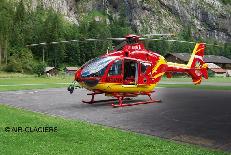 Airbus Helicopters EC135 AIR-GLACIERS 1:72