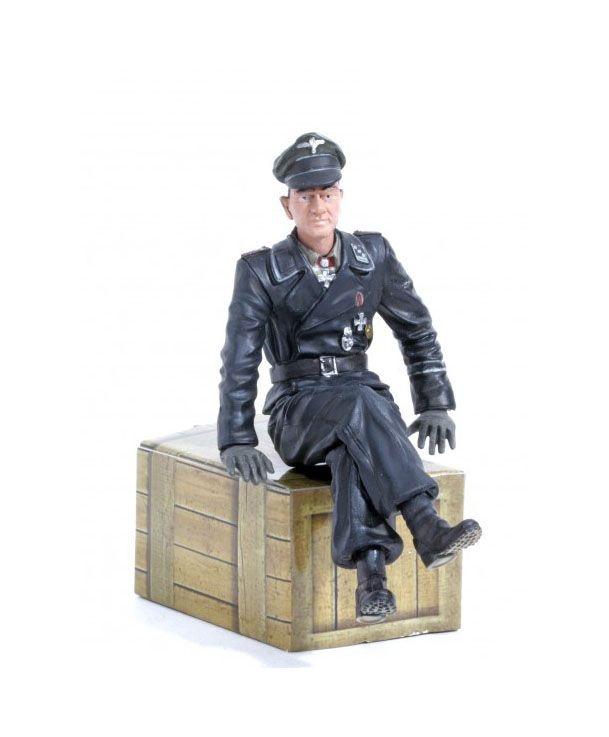 1/16 Figur Michael Wittmann Hauptsturmführer sitzend