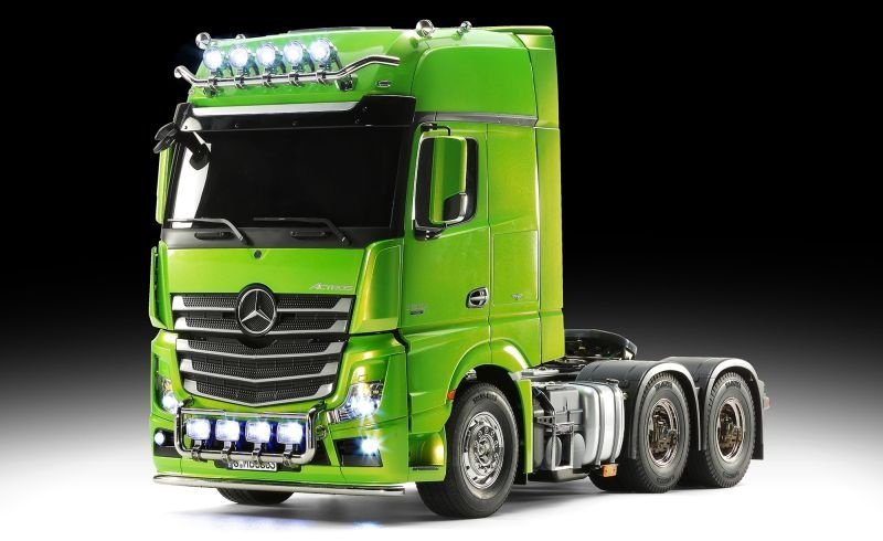 XB MB Actros 3363 Grün Full Option mit MFC-03, 2.4Ghz Sender