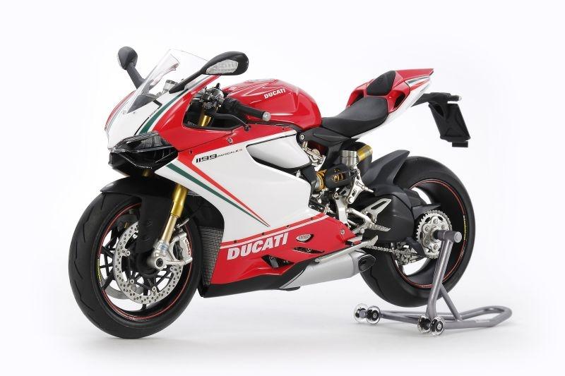 Ducati 1199 Panigale S Tricolore Motorrad Bausatz 1:12