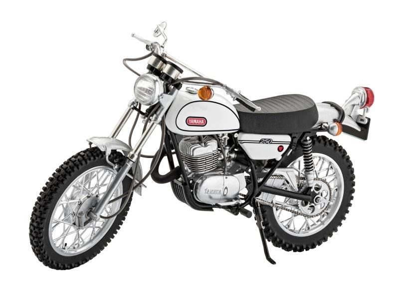 Yamaha 250 DT-1 Motorrad 1:12 Plastik Modellbausatz